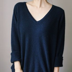100% Cashmere Sweater V Neck Navy